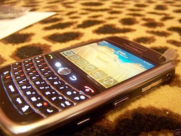 blackberry-niagara-nice-spy-rm-eng